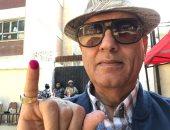 محمد سلماوى يدلى بصوته فى الاستفتاء ويؤكد: الإقبال كبير