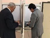 وزير الرياضة يدلى بصوته فى الاستفتاء على التعديلات الدستورية