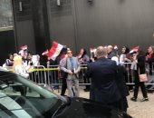 المصريون بنيويورك يحتشدون أمام القنصلية لليوم الثالث للإدلاء بأصواتهم.. فيديو وصور