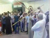 """صور.. المصريون فى الكويت يحتفلون باستفتاء الدستور بـ""""تحطيب العصا"""""""