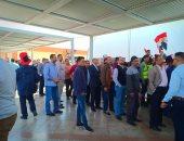 فيديو وصور.. توافد المئات من العاملين والمسافرين بلجنة مطار القاهرة لليوم الثانى