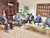 محافظ أسيوط يلتقى وفد منظمة الأغذية والزراعة ويعلن دعمه لمشروعات التنمية