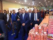 """رئيس الوزراء يشيد بتوافر السلع وانخفاض الأسعار بـ""""سوبر ماركت أهلا رمضان"""""""