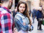حاجات غير الشكل تجذب الرجل للمرأة.. الخجل والعفوية أبرزها