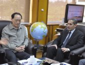 صور..رئيس جامعة قناة السويس يستقبل نائب وزير الزراعة الصينى