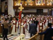 الكاتدرائية تطفئ أنوارها استعدادًا لبدء تمثيلية القيامة أهم طقوس العيد