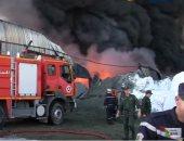 فيديو.. حريق ضخم يلتهم مخزن للمواد الكيماوية والبلاستيكية فى الجزائر