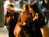 """بالصور .. ديمي مور  """"cool"""" مع بناتها فى لوس أنجلوس"""