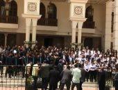 كورال الكاتدرائية يقدم ترانيم القيامة احتفالا بالعيد