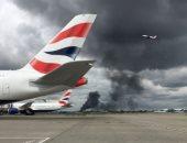 فيديو وصور.. تصاعد الأدخنة قرب مطار هيثرو فى لندن نتيجة حريق بمخزن