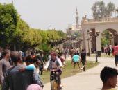 صور.. أهالى الأقصر يحتفلون بشم النسيم على الممشى السياحى بكورنيش النيل