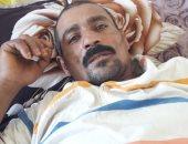 صور.. مأساة عامل سقط عليه سقف منزله وأصيب بشلل نصفى فى بورسعيد