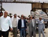 """محافظ سوهاج يتفقد صومعة تخزين الأقماح """"بأولاد نصير"""" وتوريد 8 آلاف طن للشون"""