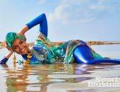 """أول عارضة أزياء محجبة تظهر فى مجلة """"Sports Illustrated"""" بالبوركينى"""