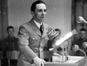 """""""كلما سمعت كلمة مثقف تحسست مسدسى"""".. هل كان وزير دعاية هتلر يكره المثقفين؟"""