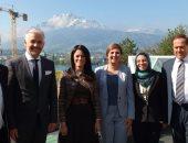 وزيرة السياحة تلتقى رئيس مجلس إدارة كلية الإدارة الفندقية بلوزيرن السويسرية