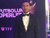 تريزيجيه ينتظر جائزة أفضل لاعب وسط في الدوري التركي اليوم