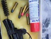 جمارك الدخيلة تضبط سلاحا ناريا وعدد من الطلقات والأسلحة البيضاء