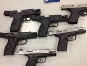 حجز مواطن يبيع أسلحة الصوت عبر الفيس بوك بالزيتون للتحريات