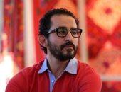 أحمد حلمى يكتب فيلمه الجديد بمشاركة ورشة من المؤلفين الشباب