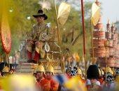موكب ملك تايلاند الجديد يجوب شوارع بانكوك