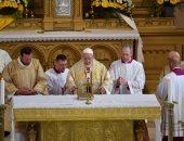 """صور.. البابا فرانسيس يزور بلغاريا ويؤكد: محنة المهاجرين """"صليب الإنسانية"""""""