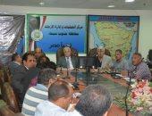 محافظ جنوب سيناء يستعرض الموقف التنفيذى للخطة الاستثمارية بديوان عام المحافظة