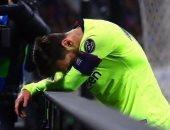 شاهد.. لحظة خروج ميسي من الملعب متأثرا بخسارة برشلونة للكأس