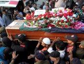 صور ..الباكستانيون يشيعون ضحايا تفجير لاهور الإرهابى