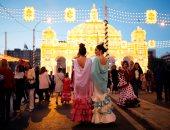 """صور..انطلاق مهرجان """"فيريا دى أبريل"""" بألوانه الزاهية بمدينة إشبيلية الاسبانية"""