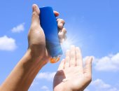 """""""ديلى ميل"""": دهان كريم الشمس لا يمنع الجسم من إنتاج فيتامين (د)"""