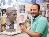 صور.. نحات يصمم تمثالا جزئيا للإمبراطور أحمد زكى
