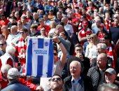 قميص برايتون يظهر في مباراة ليفربول ضد ولفرهامبتون