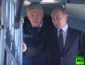فيديو.. بوتين يتعرف على مروحيات جديدة فى قازان