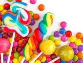 حلويات بشمع الأذن ومصاصات بالحشرات.. أغرب أنواع الحلويات