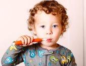 شاركيه واشرحيله.. إزاى تشجعى طفلك على النظافة الشخصية