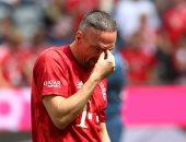 ريبيري يودع جماهير بايرن ميونخ بالبكاء.. فيديو وصور