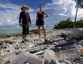 اعرف أزمة البلاستيك وصلت لفين.. ماذا حدث للجزر التى ألهمت تشارلز داروين؟