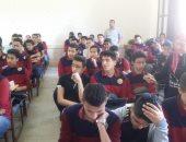 آلاف الطلاب ينتهون من امتحان اللغة الأجنبية الأولى إلكترونيا على التابلت