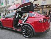 """منظمة """"تقارير المستهلك"""": نظام المرشد الآلى بسيارات """"تسلا"""" قليل الكفاءة"""