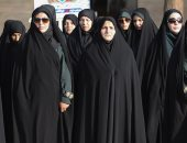 العفو الدولية.. اتهامات لإيران بتعذيب وإساءة معاملة أهالى ضحايا التعذيب