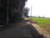 قارئ يشكو من القاء روث الحيوانات وسط الطريق بمنطقة الخضرجى فى دمياط