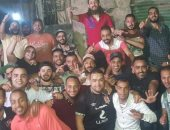 مجمعين على الخير.. شباب إمبابة ينظمون إفطارا جماعيا لإطعام 250 صائما