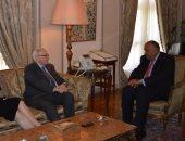 وزير الخارجية يستعرض مع رئيس مجلس الشيوخ الكندى جهود مصر فى مكافحة الإرهاب