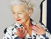 العمر مجرد رقم.. بريطانية فى الـ80 من عمرها تعمل عارضة أزياء
