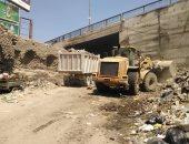 حملة لرفع القمامة من بئر أم سلطان الأثرى وإيقاف أعمال بناء مخالفة فى البساتين