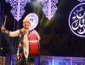 الفرقة القومية للفنون الشعبية وعروض السيرك تستقطب الجماهير بساحة الهناجر
