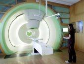 البروتون يعالج السرطان ومنخفض الآثار الجانبية.. تعرف عليه