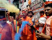 فرحة أنصار حزب بهاراتيا جاناتا بنتائج الانتخابات الأولية فى الهند