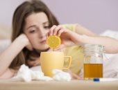 تأكل وتشرب إيه.. مشروبات وأطعمة عند الإصابة بالأنفلونزا